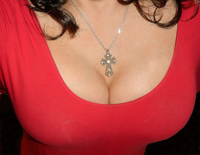 bust with a necklace